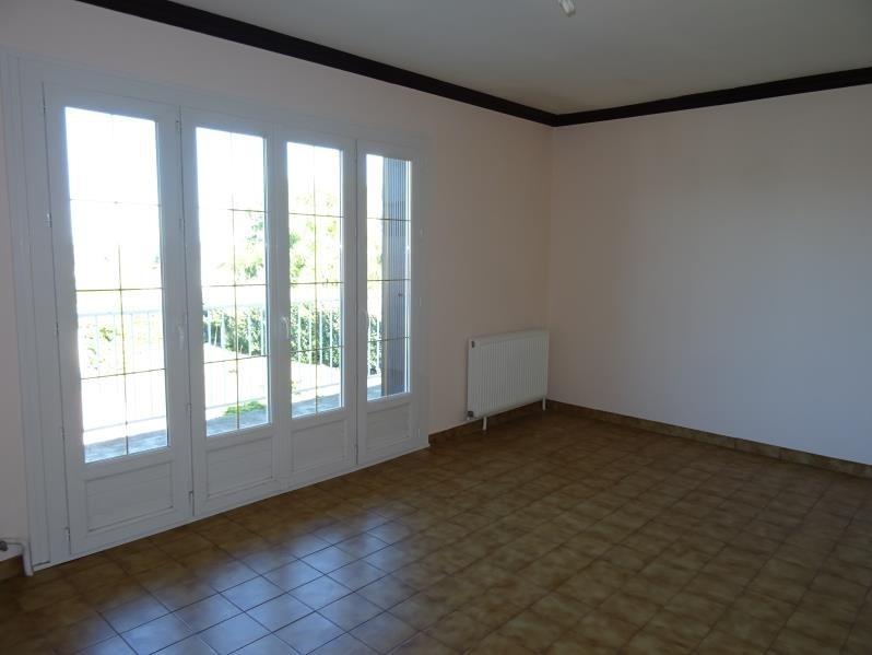 Location maison / villa Lentigny 740€ CC - Photo 9