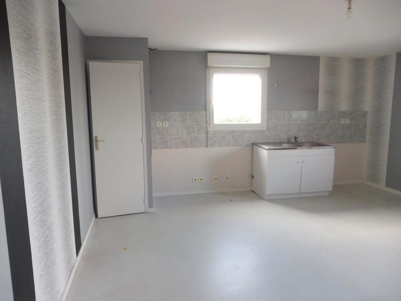 Rental apartment Montrevault 445€ CC - Picture 2