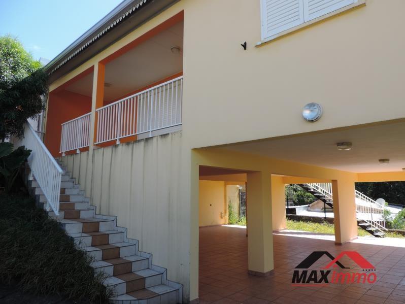 Location maison / villa Saint benoit 950€ CC - Photo 1