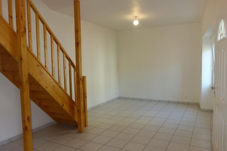 Rental apartment St denis la chevasse 420€ CC - Picture 2