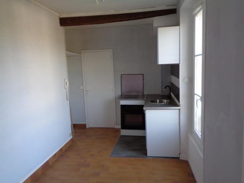 Locação apartamento Limours 470€ CC - Fotografia 1