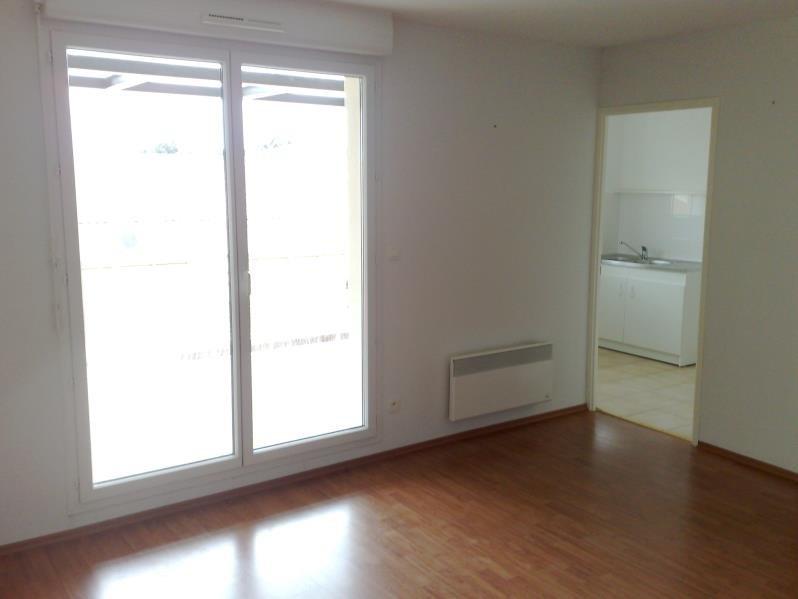 Rental apartment Seilh 630€ CC - Picture 3
