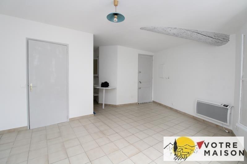 Rental apartment St chamas 320€ CC - Picture 1