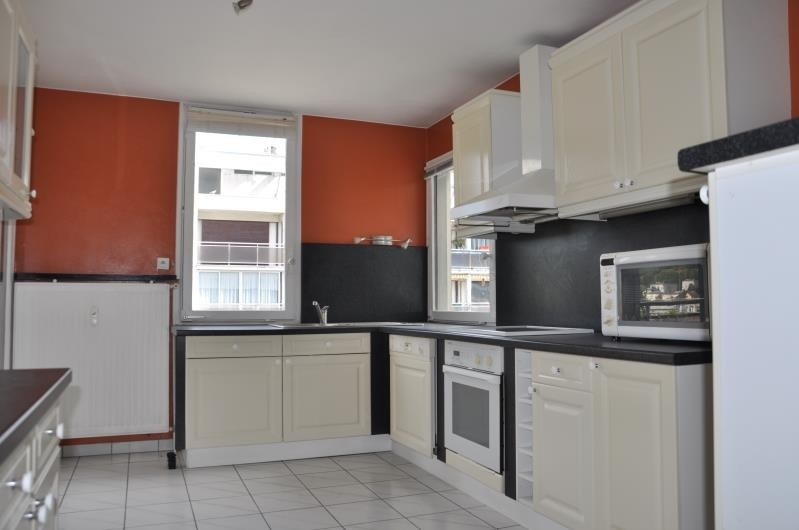 Sale apartment Oyonnax 117 000€ - Picture 2