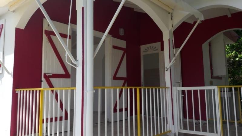 Location maison / villa Le moule 750€ CC - Photo 1