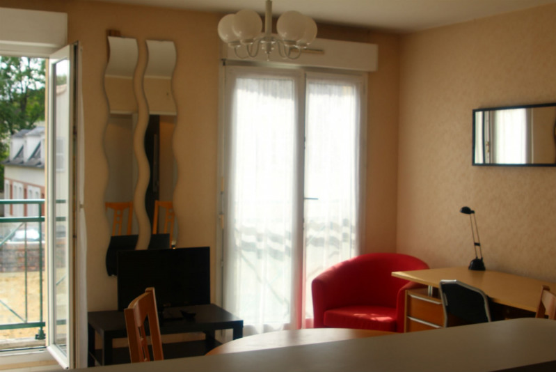 Location appartement Fontainebleau 987€ CC - Photo 2