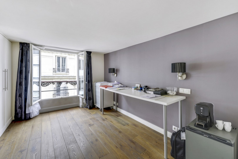 Deluxe sale apartment Paris 10ème 998000€ - Picture 6