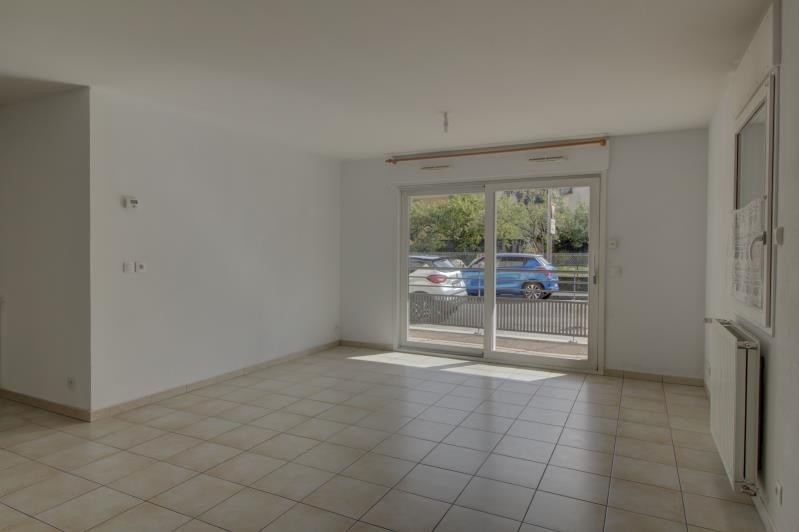 Location appartement Sallanches 950€ CC - Photo 2