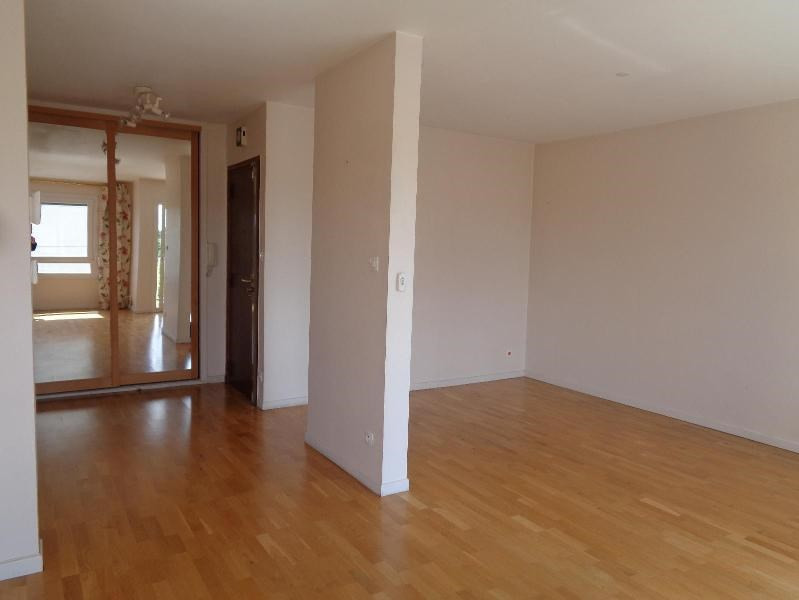Location appartement Oullins 945€ CC - Photo 8