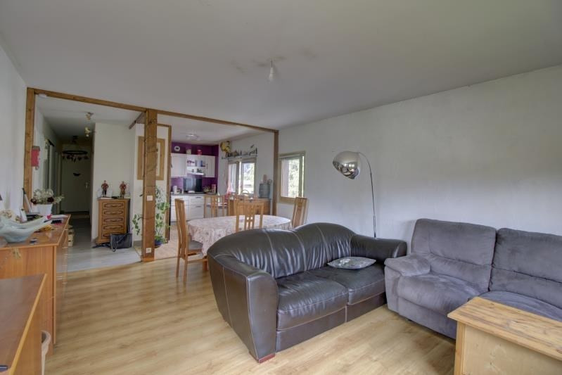 Rental apartment Sallanches 895€ CC - Picture 2