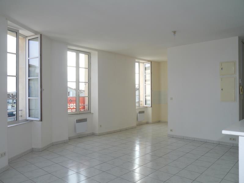 Rental apartment Tesson 480€ CC - Picture 2