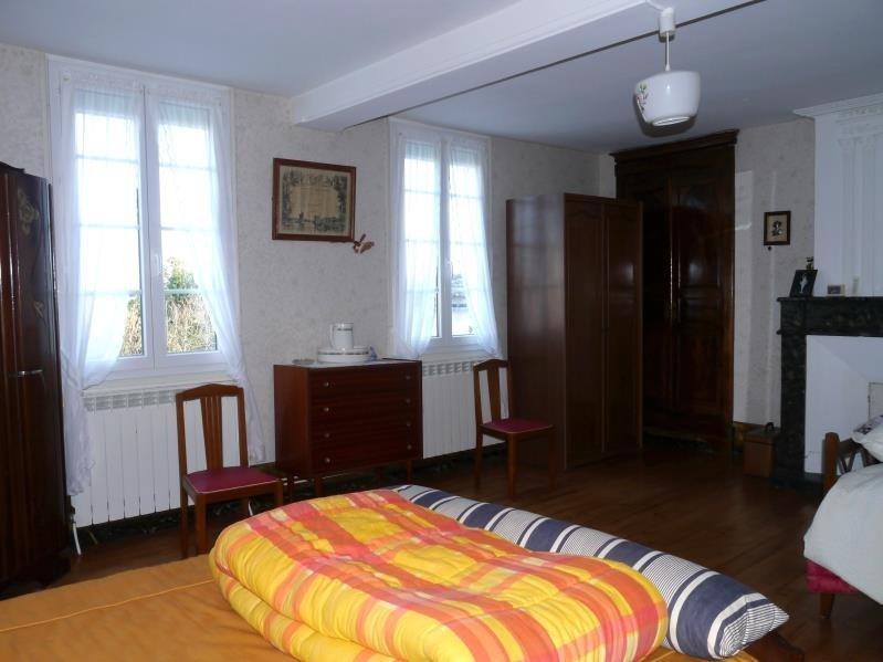 Sale house / villa Pons 164300€ - Picture 5