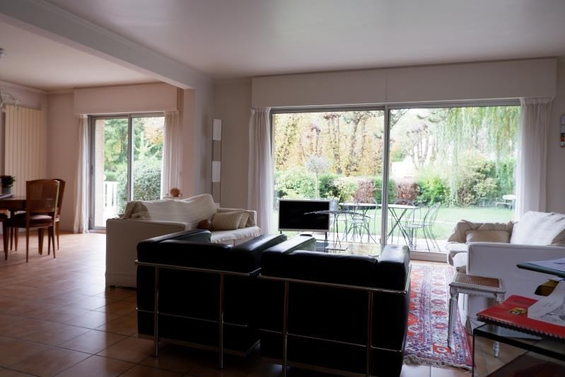 Sale house / villa Le mesnil le roi 990000€ - Picture 2