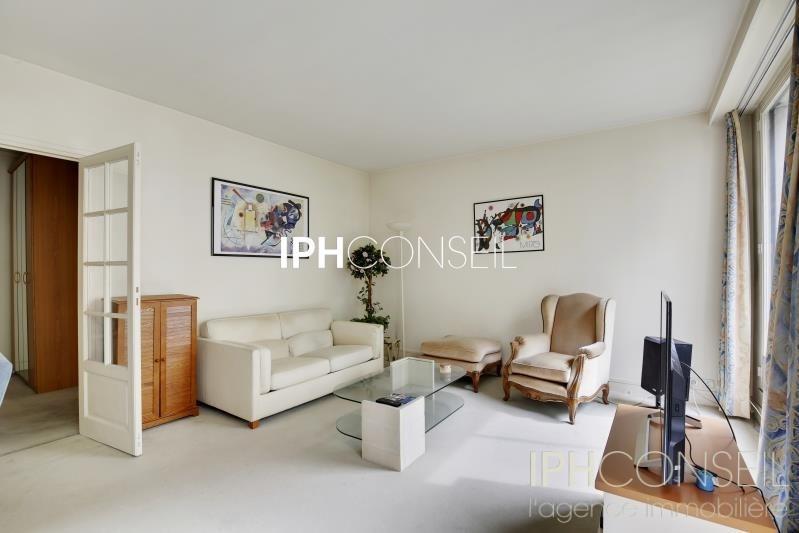 Sale apartment Neuilly sur seine 890000€ - Picture 2
