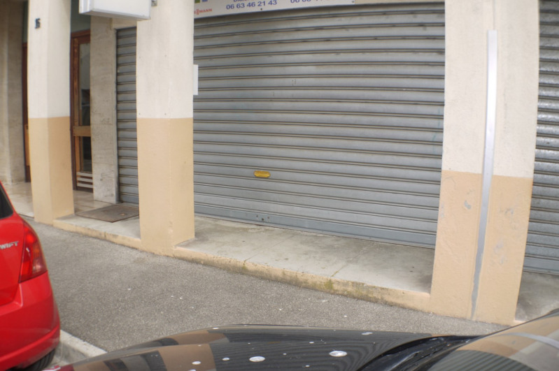 Location local commercial Marseille 10ème 350€ HC - Photo 1