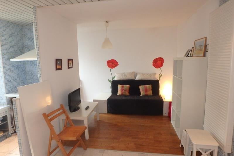 Rental apartment Viroflay 891€ CC - Picture 1