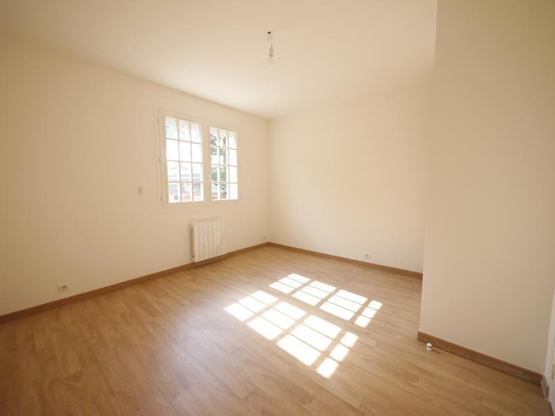 Rental apartment Bois d arcy 866€ CC - Picture 3