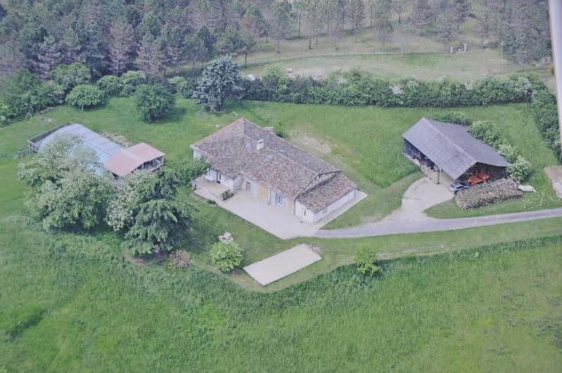 Sale house / villa Puycornet 374000€ - Picture 1