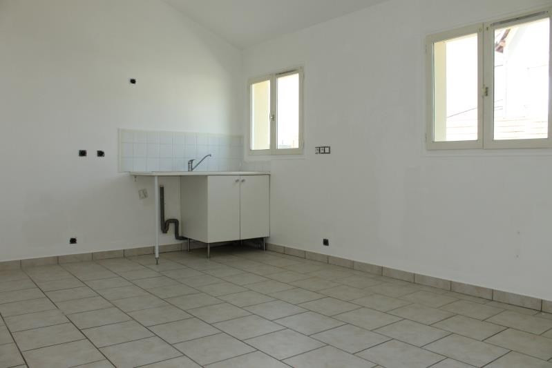 Location maison / villa Pontoise 800€ CC - Photo 3