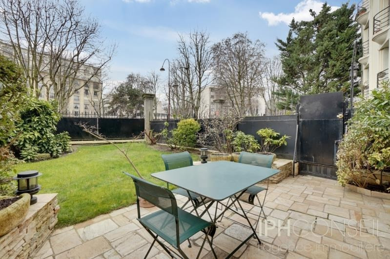 Deluxe sale private mansion Neuilly sur seine 3 600 000€ - Picture 1