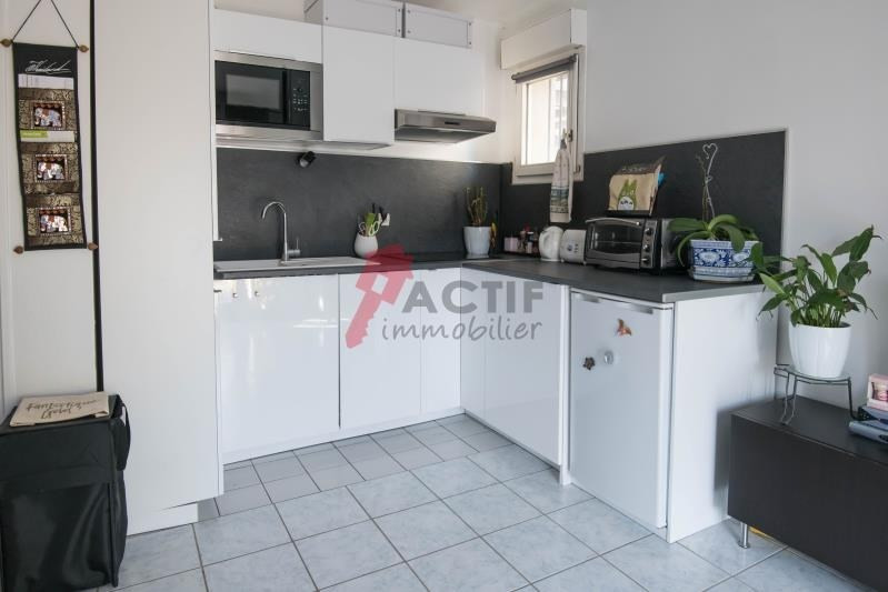 Sale apartment Evry 114 000€ - Picture 1