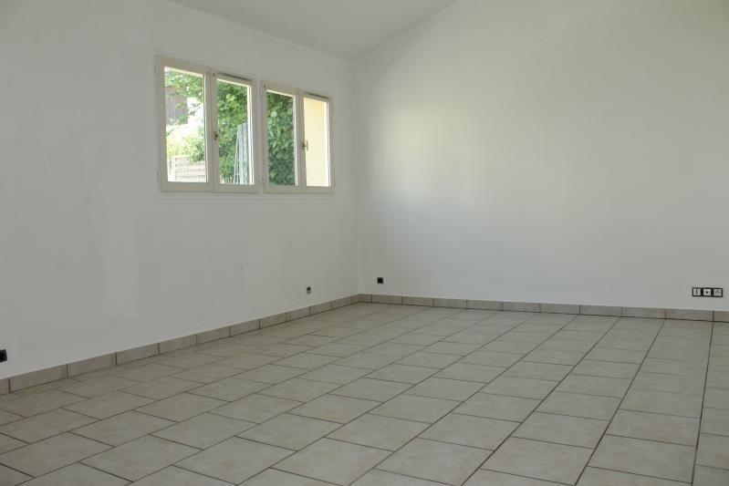 Location maison / villa Pontoise 800€ CC - Photo 2