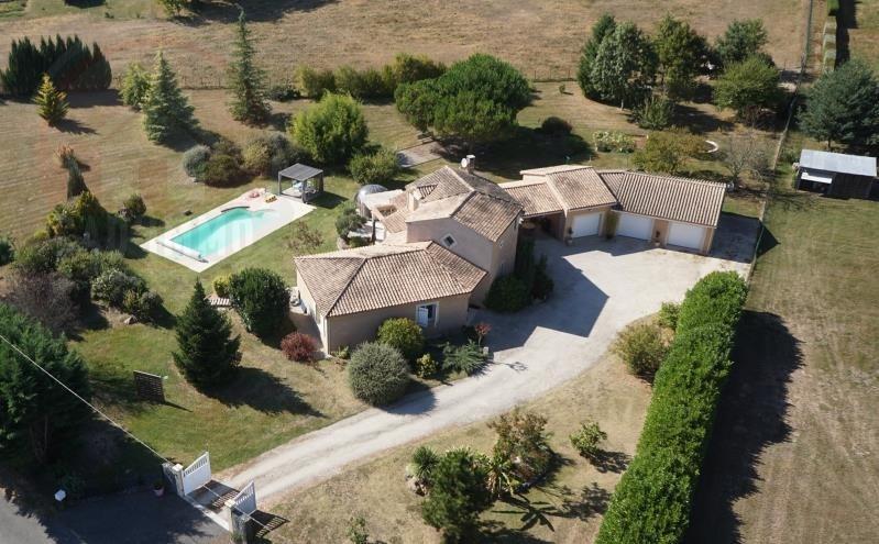 Sale house / villa St jean d'eyraud 394000€ - Picture 2