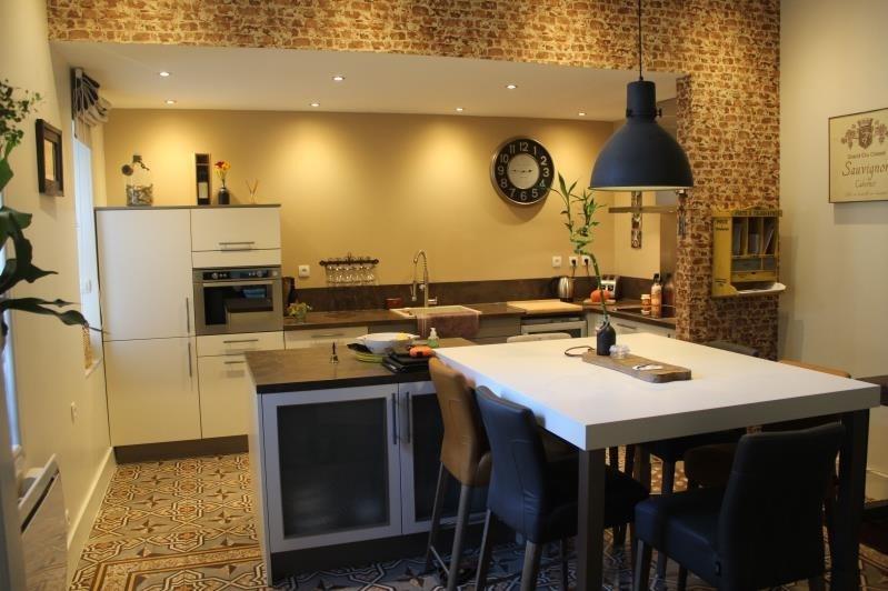 Sale house / villa Colombiers 297000€ - Picture 2