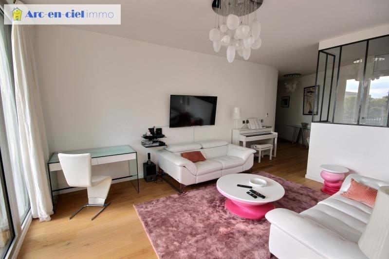 Vente de prestige appartement Paris 4ème 999000€ - Photo 5