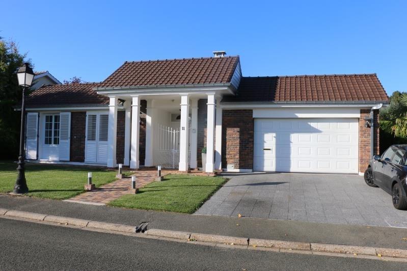 Sale house / villa St nom la breteche 848000€ - Picture 1