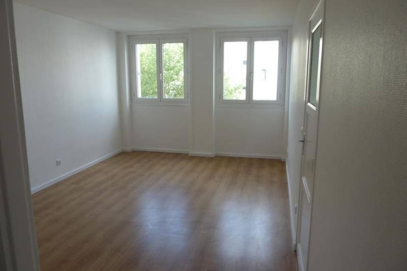 Location appartement Rueil malmaison 948€ CC - Photo 4