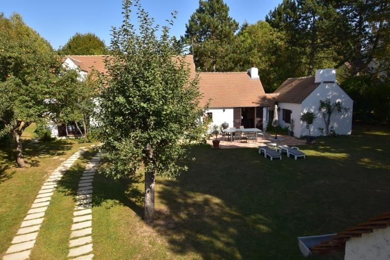 Deluxe sale house / villa Noisy le roi 1190000€ - Picture 2