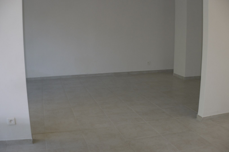 Rental empty room/storage Marseille 8ème 1485€ HC - Picture 4
