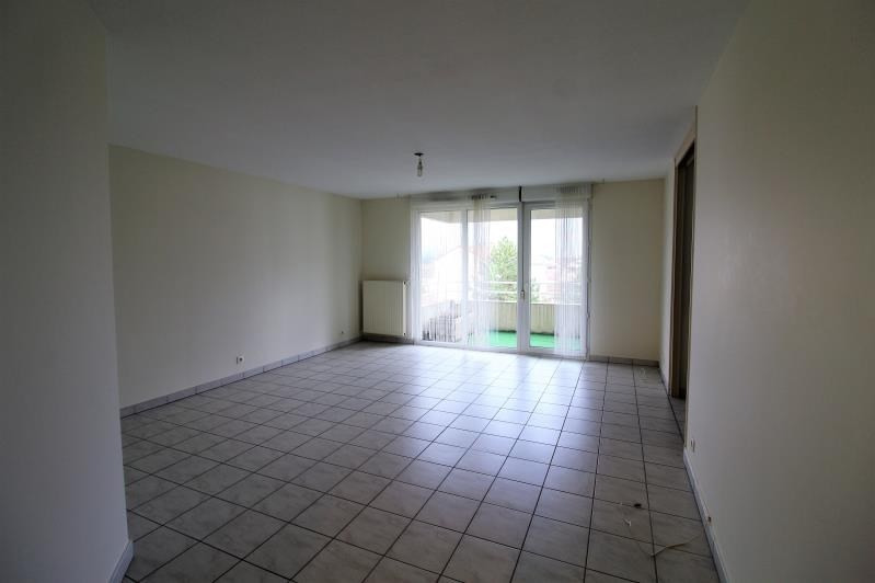Rental apartment Voiron 856€ CC - Picture 3
