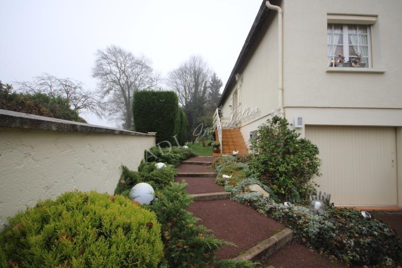 Sale house / villa Luzarches 530000€ - Picture 1