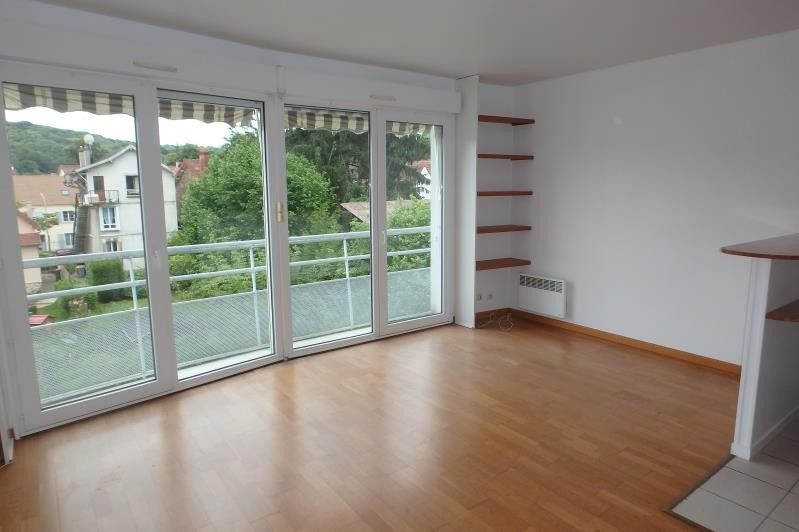 Rental apartment Viroflay 738€ CC - Picture 1
