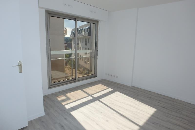 Location appartement Viroflay 659€ CC - Photo 2