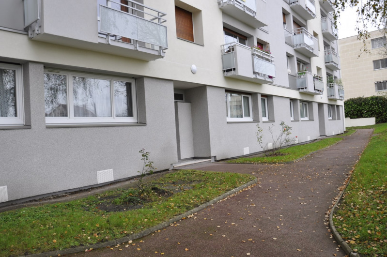 Location appartement Fontenay-aux-roses 1 245€ CC - Photo 2
