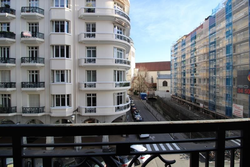 Sale apartment Annecy 400000€ - Picture 2