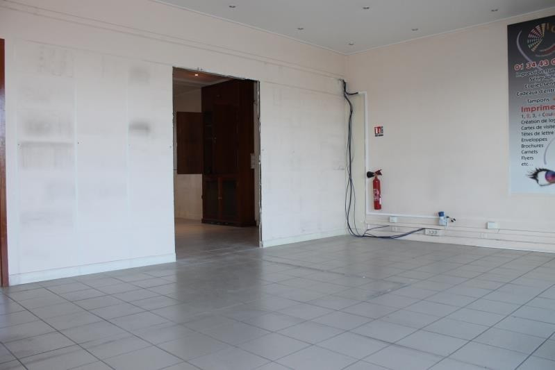 Location local commercial Pontoise 1 700€ HT/HC - Photo 5