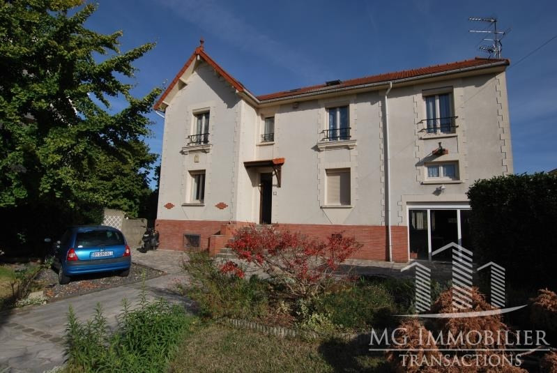 Sale building Montfermeil 387 000€ - Picture 1