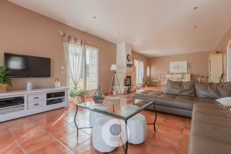 Deluxe sale house / villa Puyloubier 799000€ - Picture 2