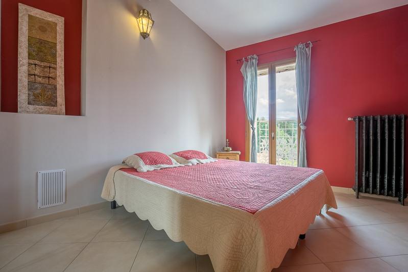 Vente maison / villa Auriol 835000€ - Photo 7