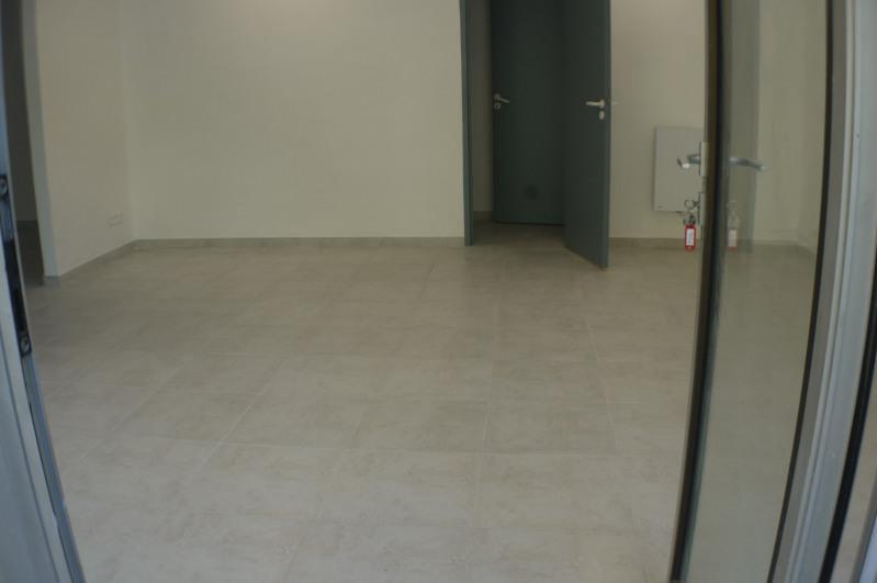 Rental empty room/storage Marseille 8ème 1485€ HC - Picture 3