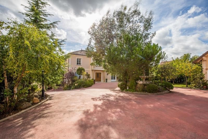 Deluxe sale house / villa Verrieres le buisson 1 610 000€ - Picture 2