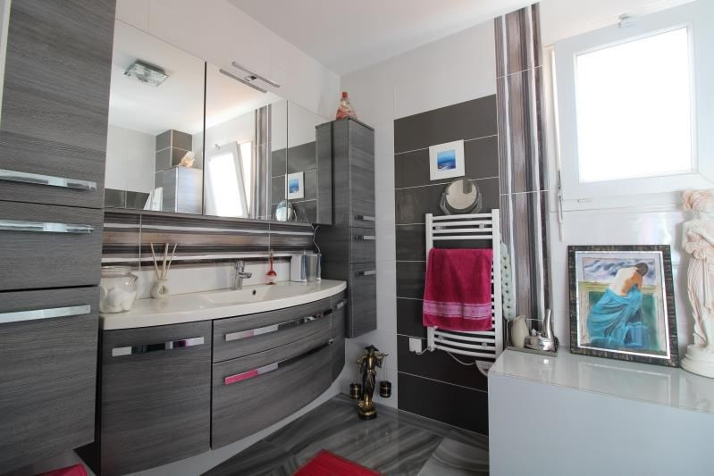 Deluxe sale apartment Seynod 558000€ - Picture 8