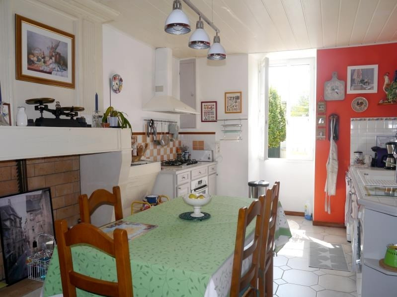 Sale house / villa Mortagne sur gironde 199 500€ - Picture 2