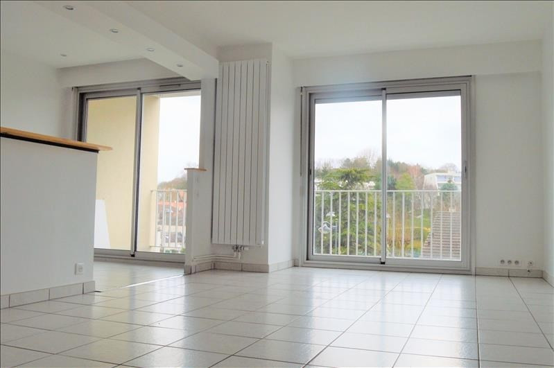 Location appartement Rueil malmaison 1 400€ CC - Photo 2