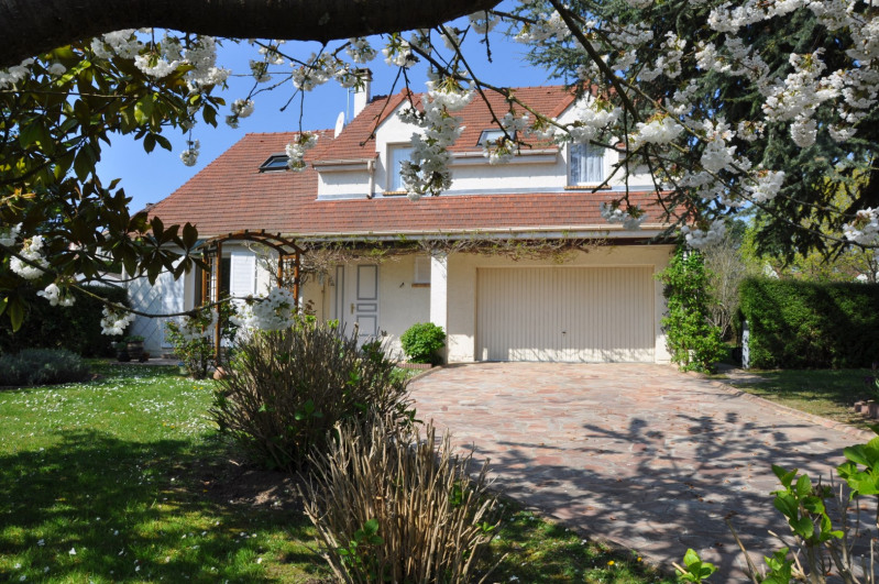 Sale house / villa St nom la breteche 740000€ - Picture 11