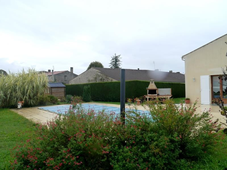 Vente maison / villa Gemozac 231000€ - Photo 10
